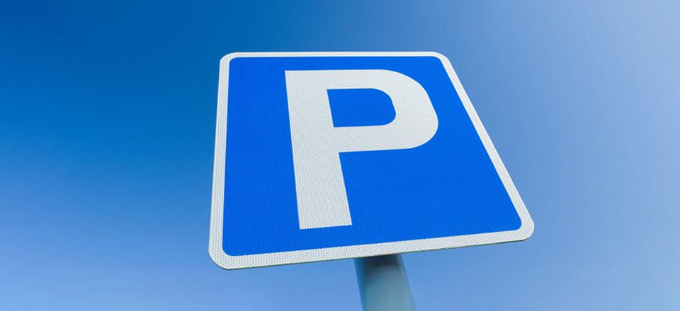 Parkovací stání ve dvoře kliniky